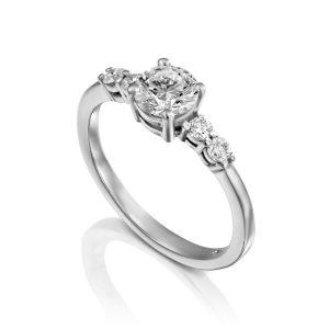 טבעת אירוסין אופנתית
