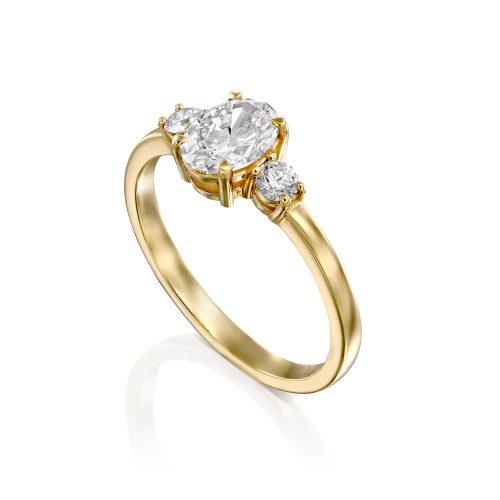 טבעת אירוסין שלושה יהלומים עם אובל במרכז ADR-00707-4